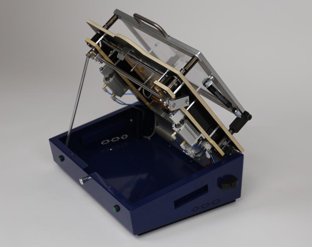 PA450-PN: Pneumatischer Prüfadapter/Testadapter Gehäuse geöffnet